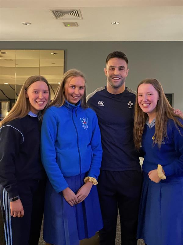 Conor Murray meets Cluny girls